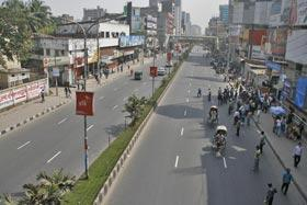 'অচল' ঢাকায় হরতালের আবহ | রাজনীতি | bdnews24.com